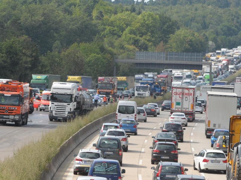 Bild zu Autobahn A8 bei Leonberg