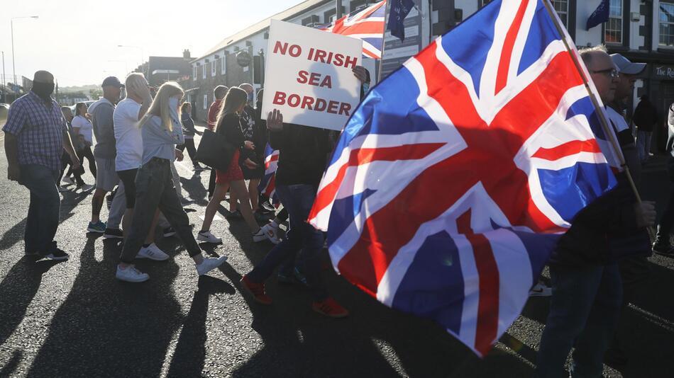 Streit um Nordirland: London will Brexit-Abkommen wieder aufmache