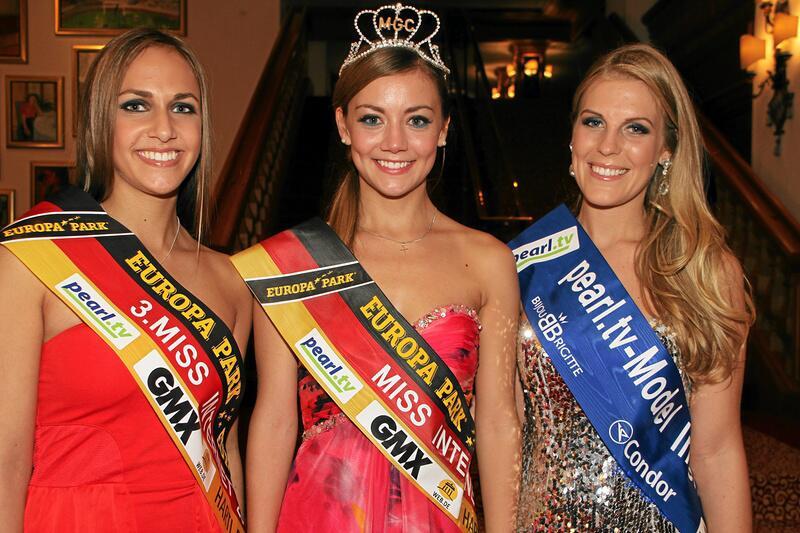 Bild zu Wahl zur Miss Internet