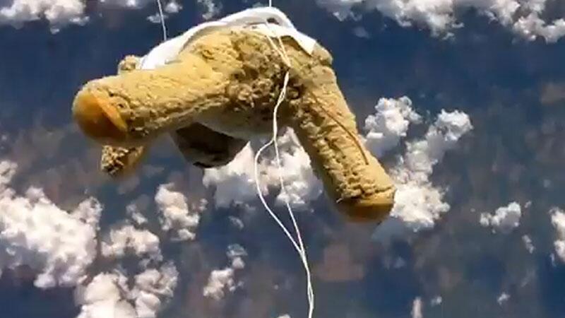 Babbage stürzte aus 39.000 Metern Höhe Richtung Erde.