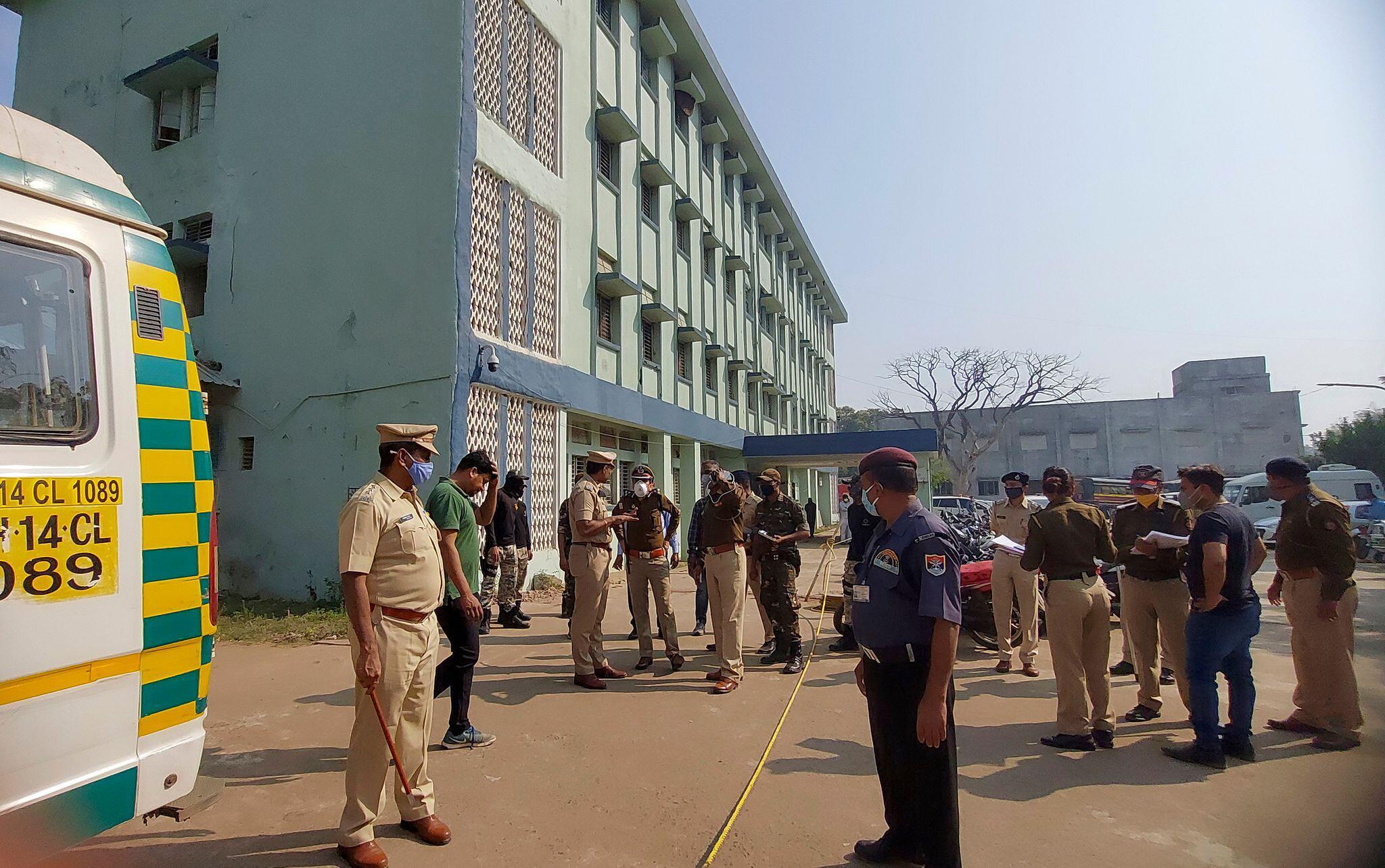 Bild zu Zehn Neugeborene sterben bei Feuer in indischem Krankenhaus
