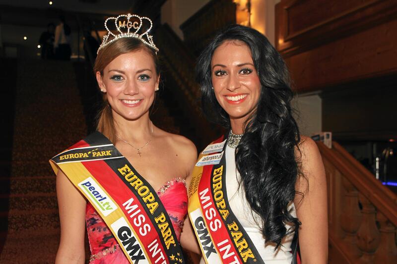 Bild zu Zwei Miss Internet unter sich