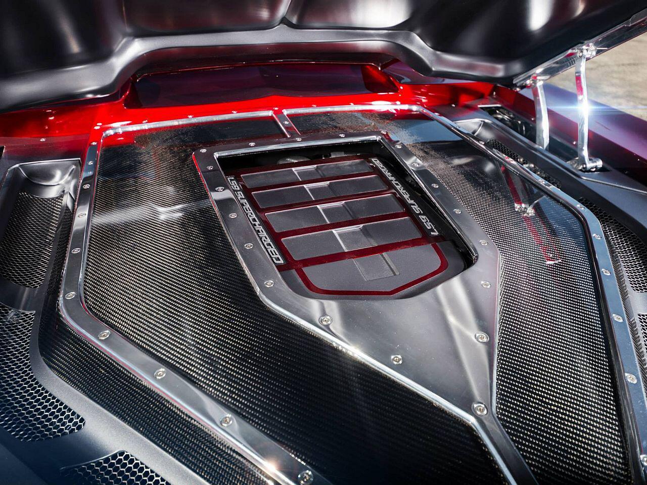 Bild zu Schicke Carbon-Motorabdeckung