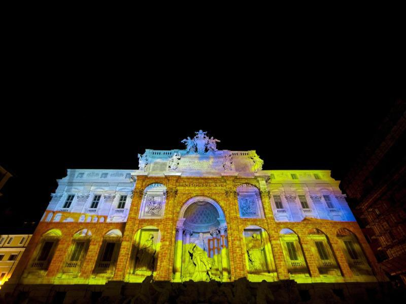 Bild zu Lichtshow in Rom