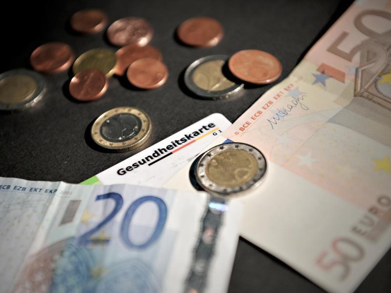 Bild zu Streit um Krankengeld