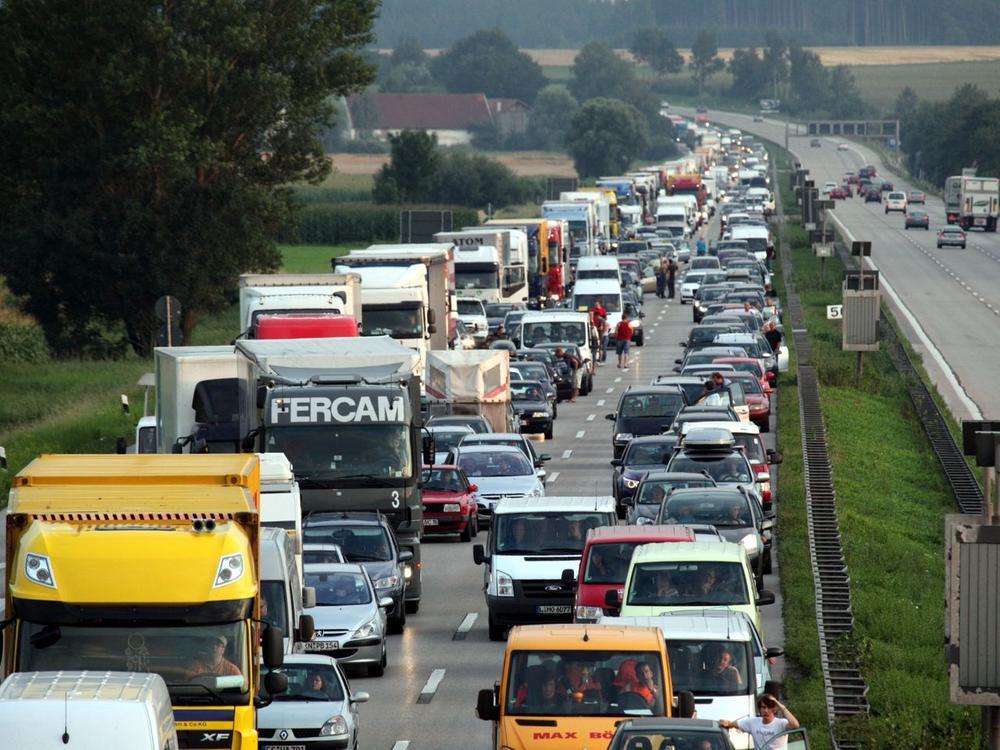 Bild zu Stau auf der Autobahn
