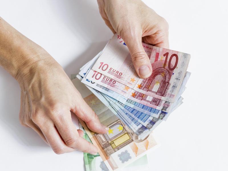 Bild zu Unzulässige Kreditgebühren zurückfordern