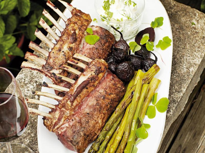 Bild zu Fleisch mit gegrilltem Spargel