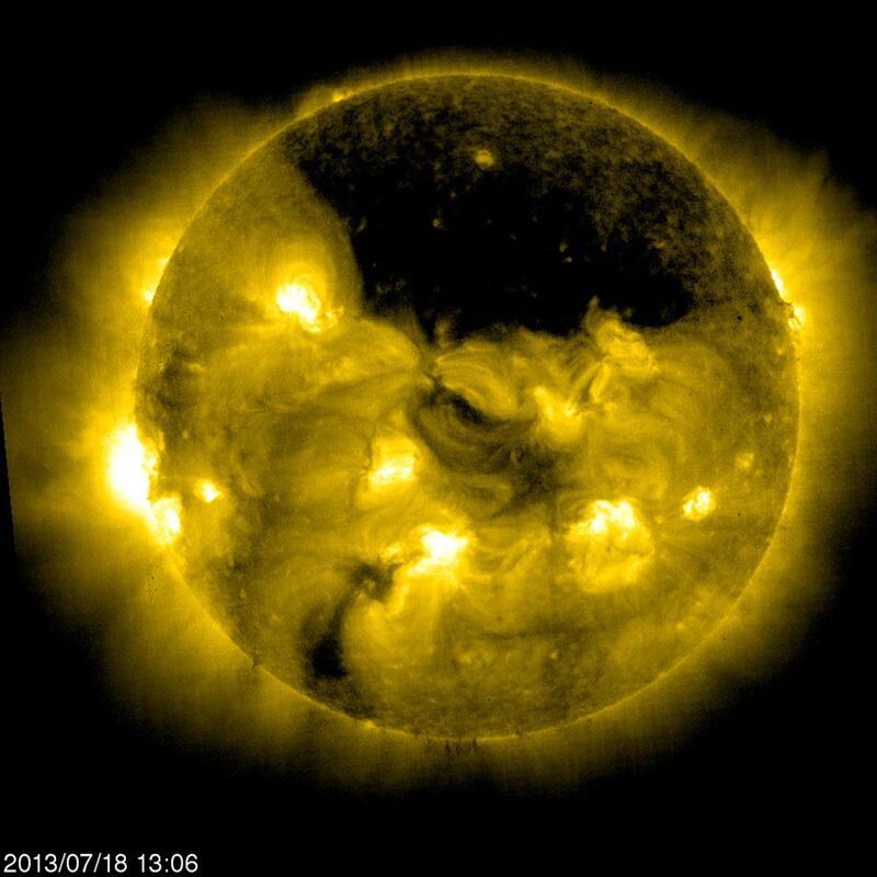 Bild zu Ein Loch in der Sonnenkorona