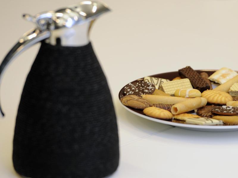 Bild zu Kaffeekanne und Kekse