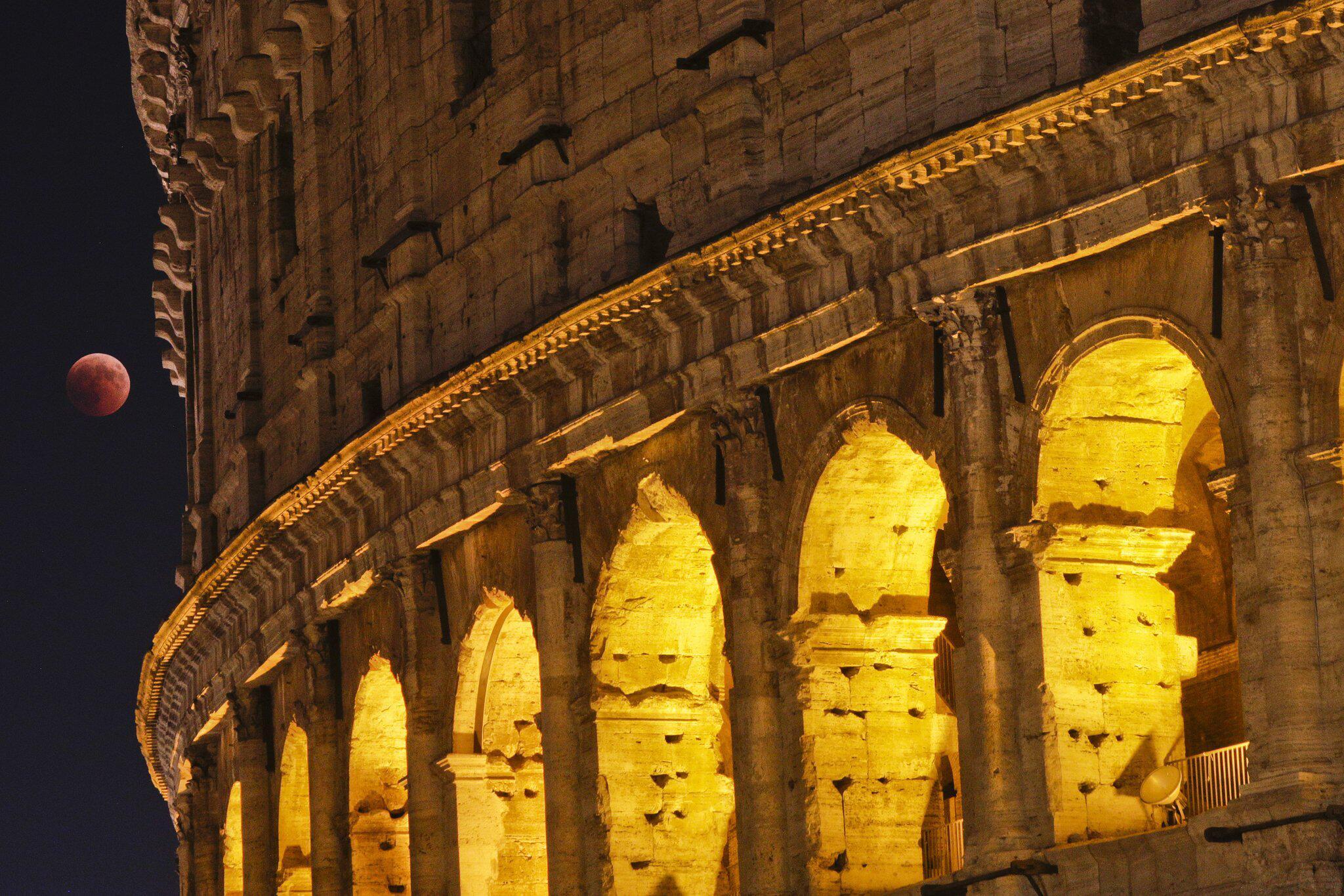 Bild zu Mondfinsternis, Italien