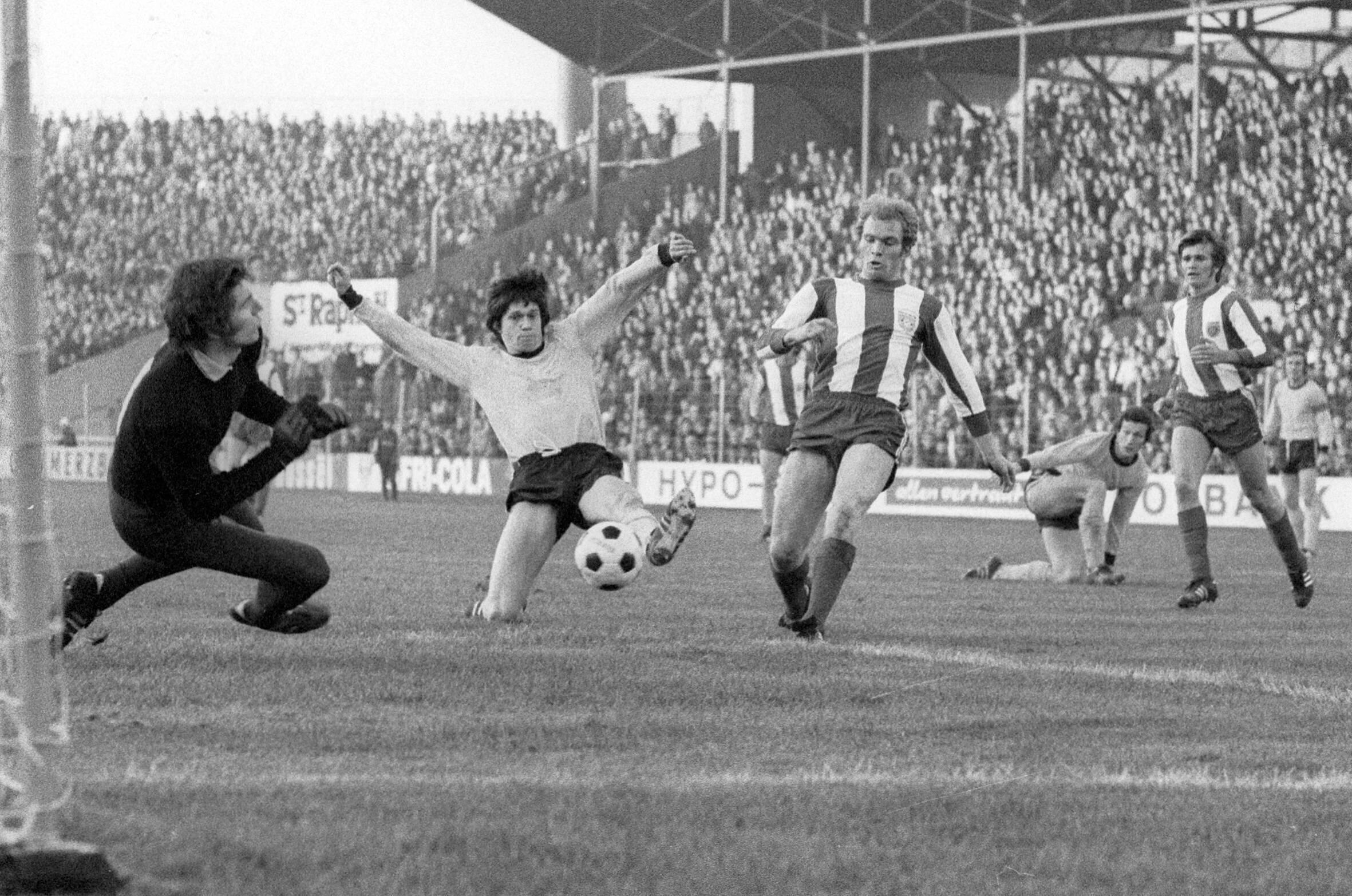 Bild zu FC Bayern, Borussia Dortmund, 1971,