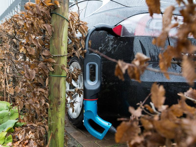 Bild zu Ladesäule für E-Autos