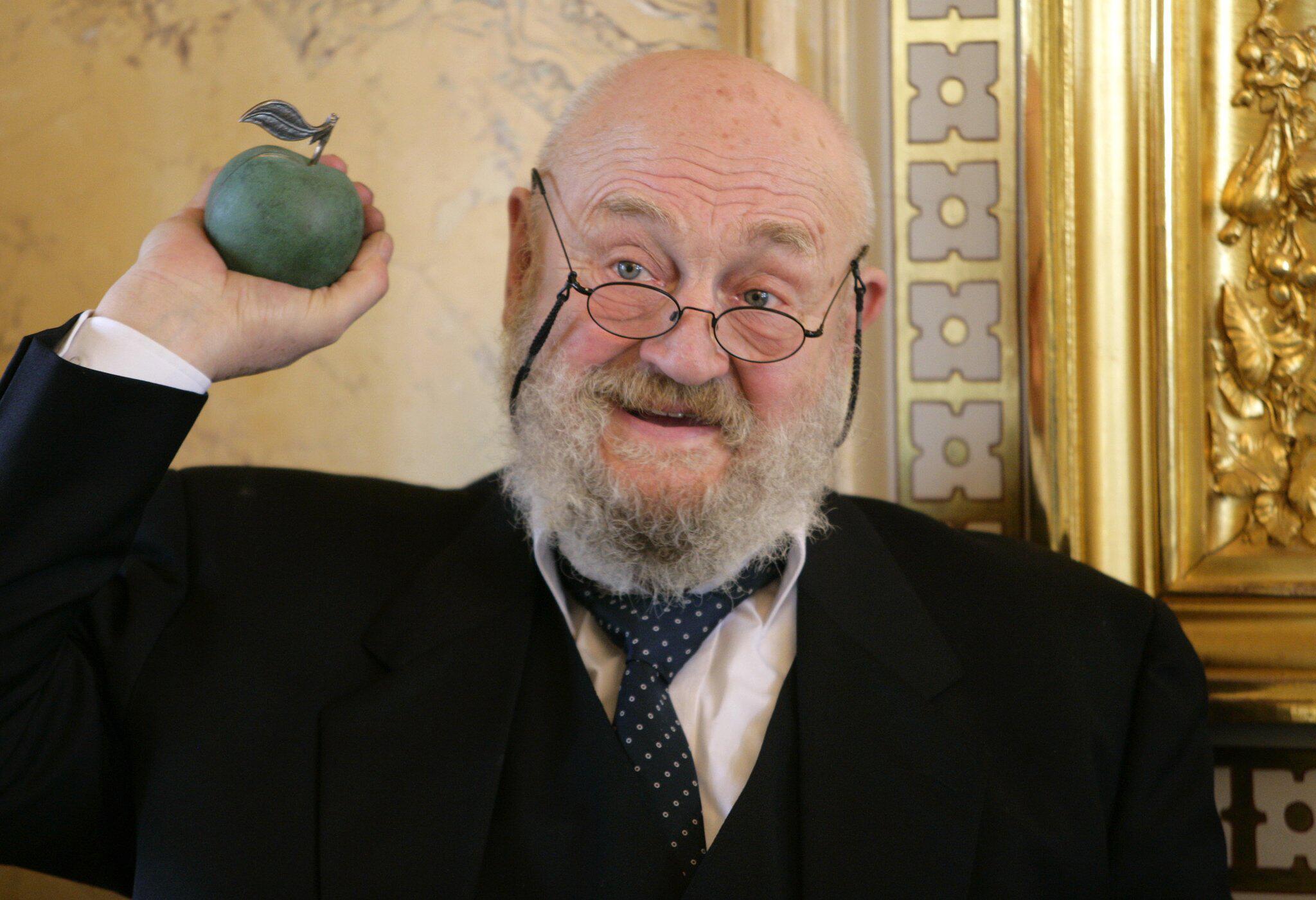 Bild zu Schauspieler Rolf Hoppe gestorben