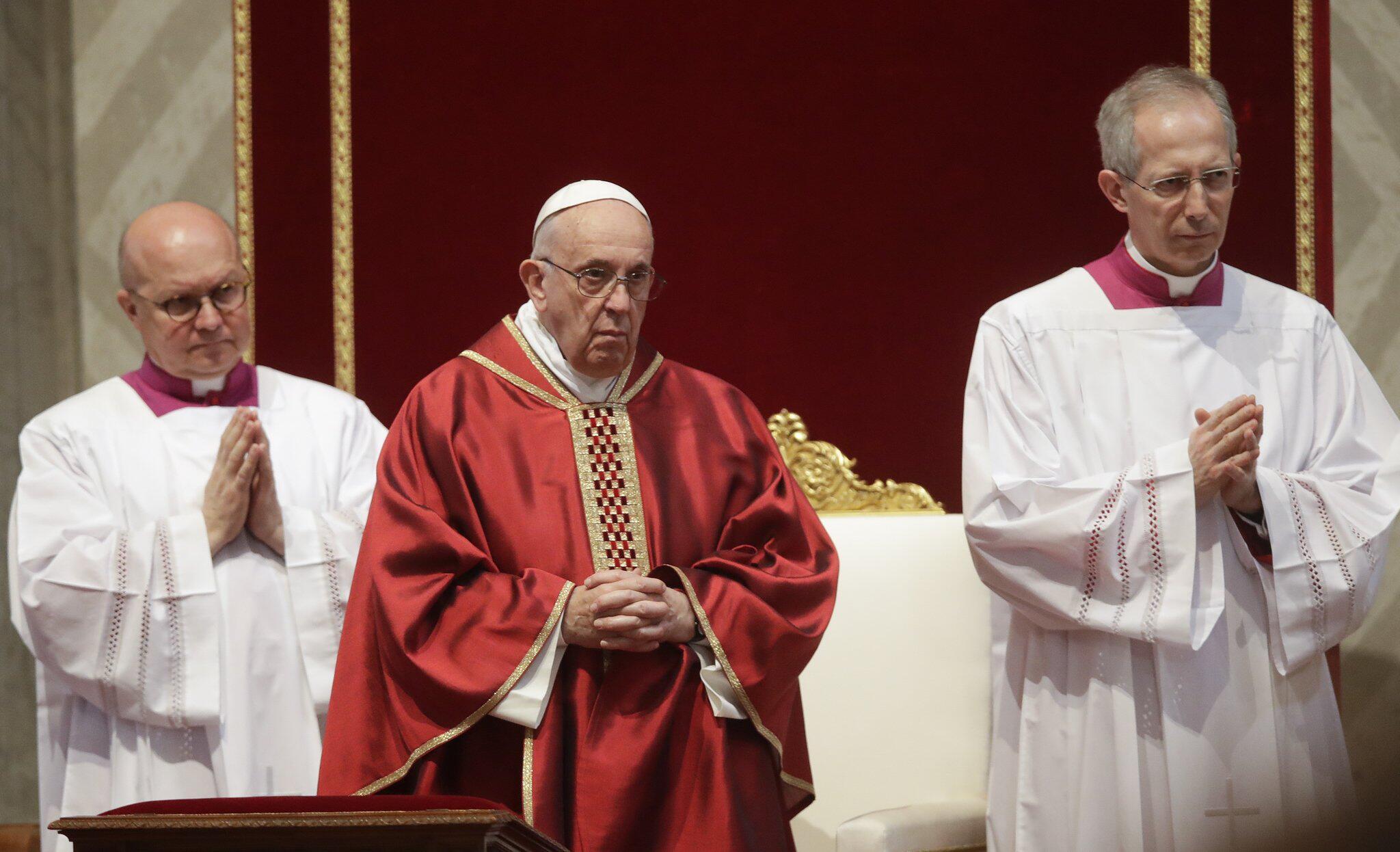 Bild zu Osterfeierlichkeiten im Vatikan