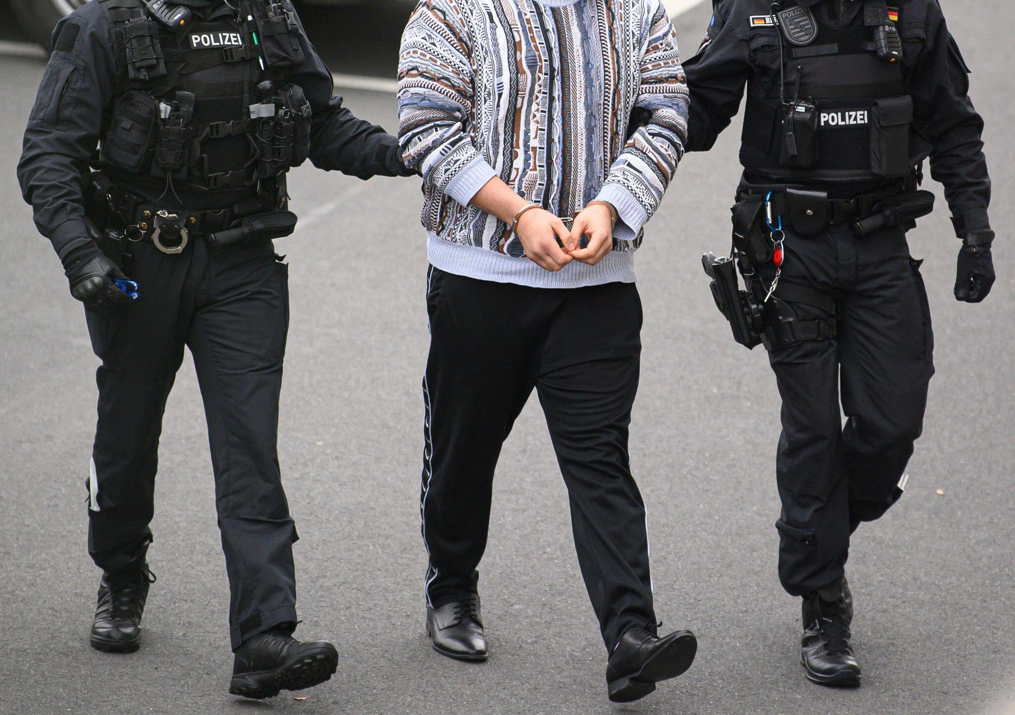 Bild zu Verdächtige für Kunstdiebstahl im Grünen Gewölbe festgenommen