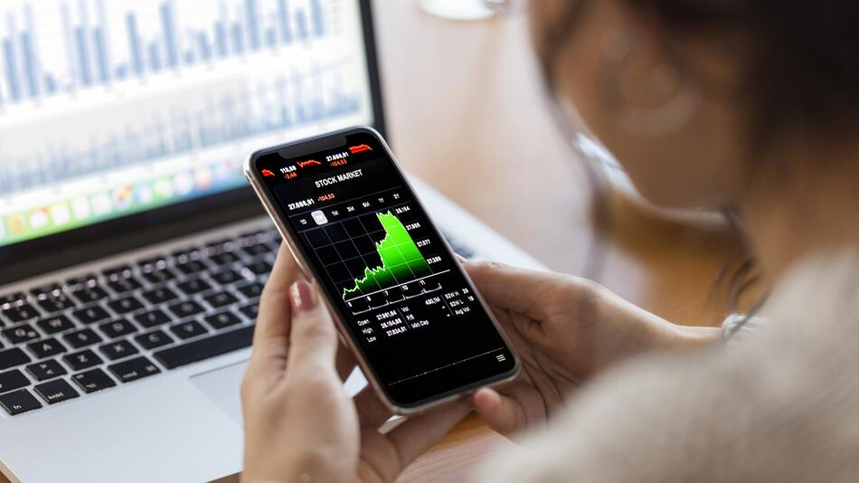 Aktien, Depot, Sparplan, ETFs, Broker, Börse, Finanzen, Anlegen, Trading, Wertpapiere
