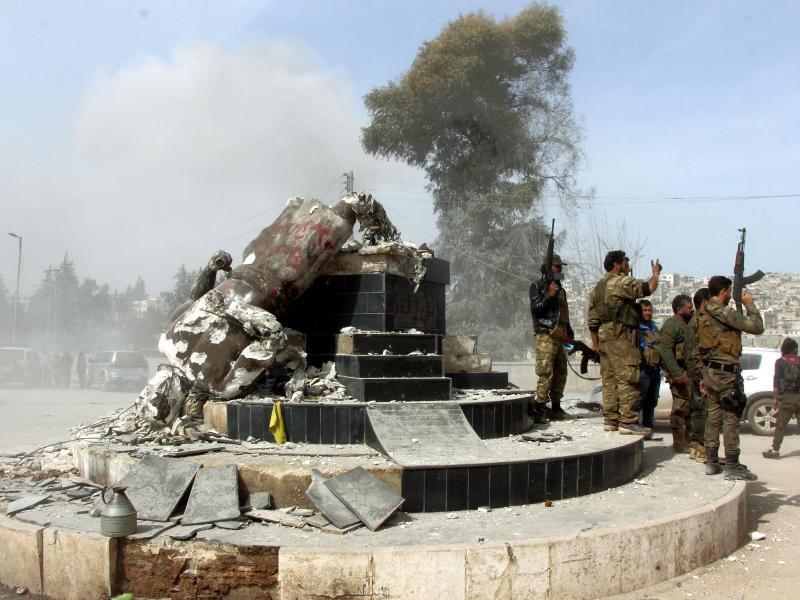 Bild zu Eroberte Stadt Afrin