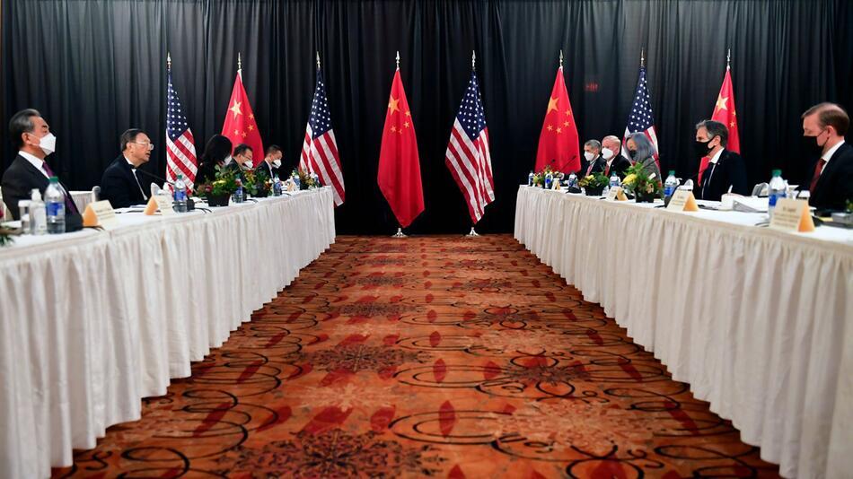 Diplomatisches Treffen zwischen USA und China