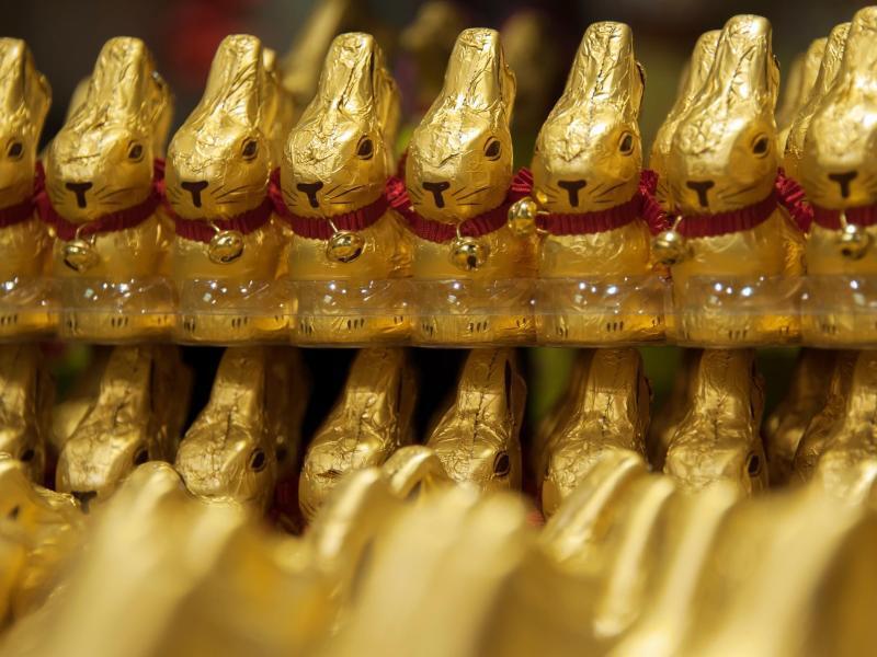 Bild zu Osterhasen aus Schokolade