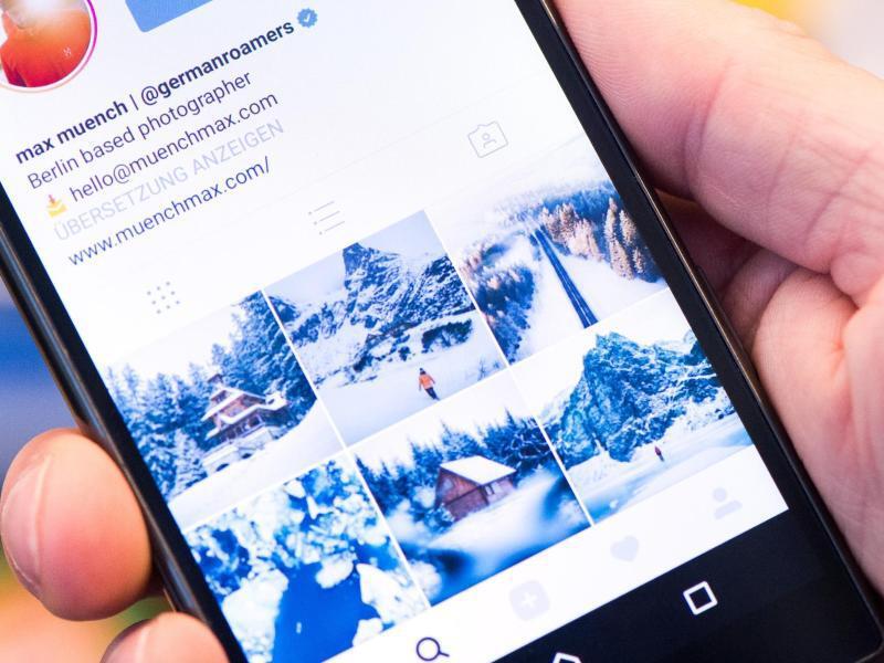 Bild zu Reisefotos auf einem Smartphone