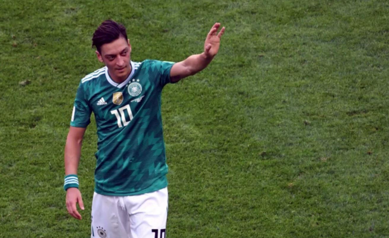 Bild zu Mesut Özil