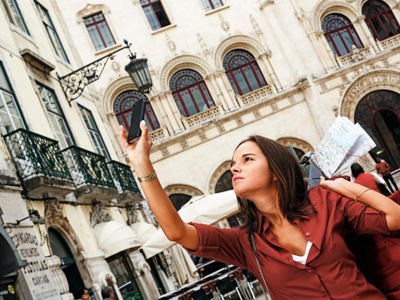 Bild zu Smartphone als Urlaubsbegleiter