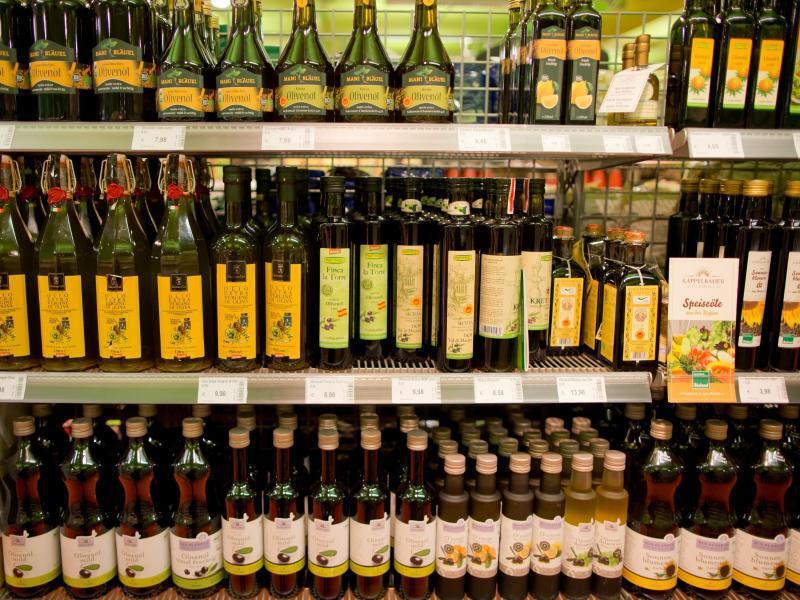 Bild zu Olivenöl im Supermarkt