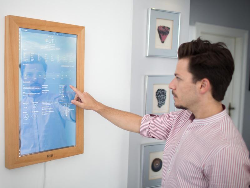 Skurrile ifa gadgets schnarch tageb cher und spiegel pc for Spiegel mit bildschirm