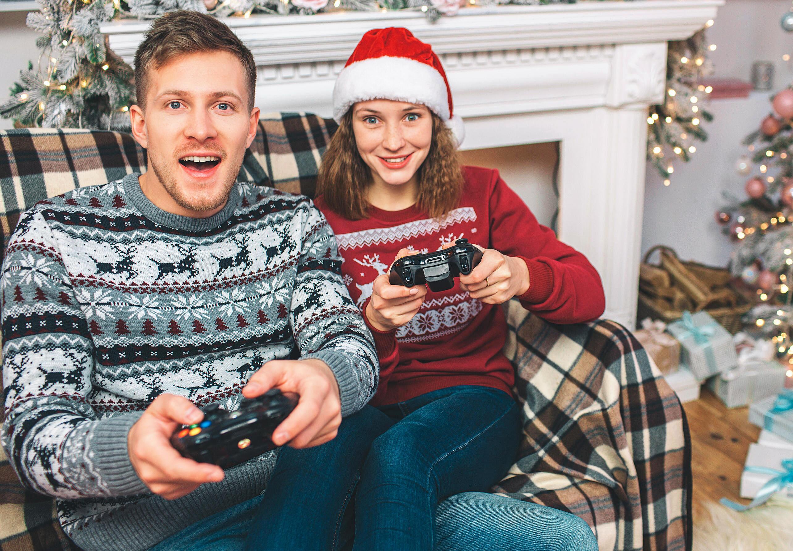 Bild zu gaming, gamer, weihnachtsgeschenke, geschenkideen, videospiele, geschenke