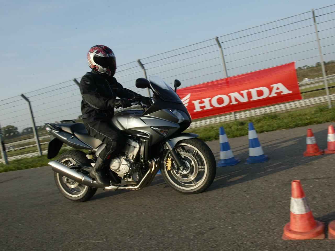 Bild zu Praktische Motorradprüfung: Viel Übung macht auch hier den Meister