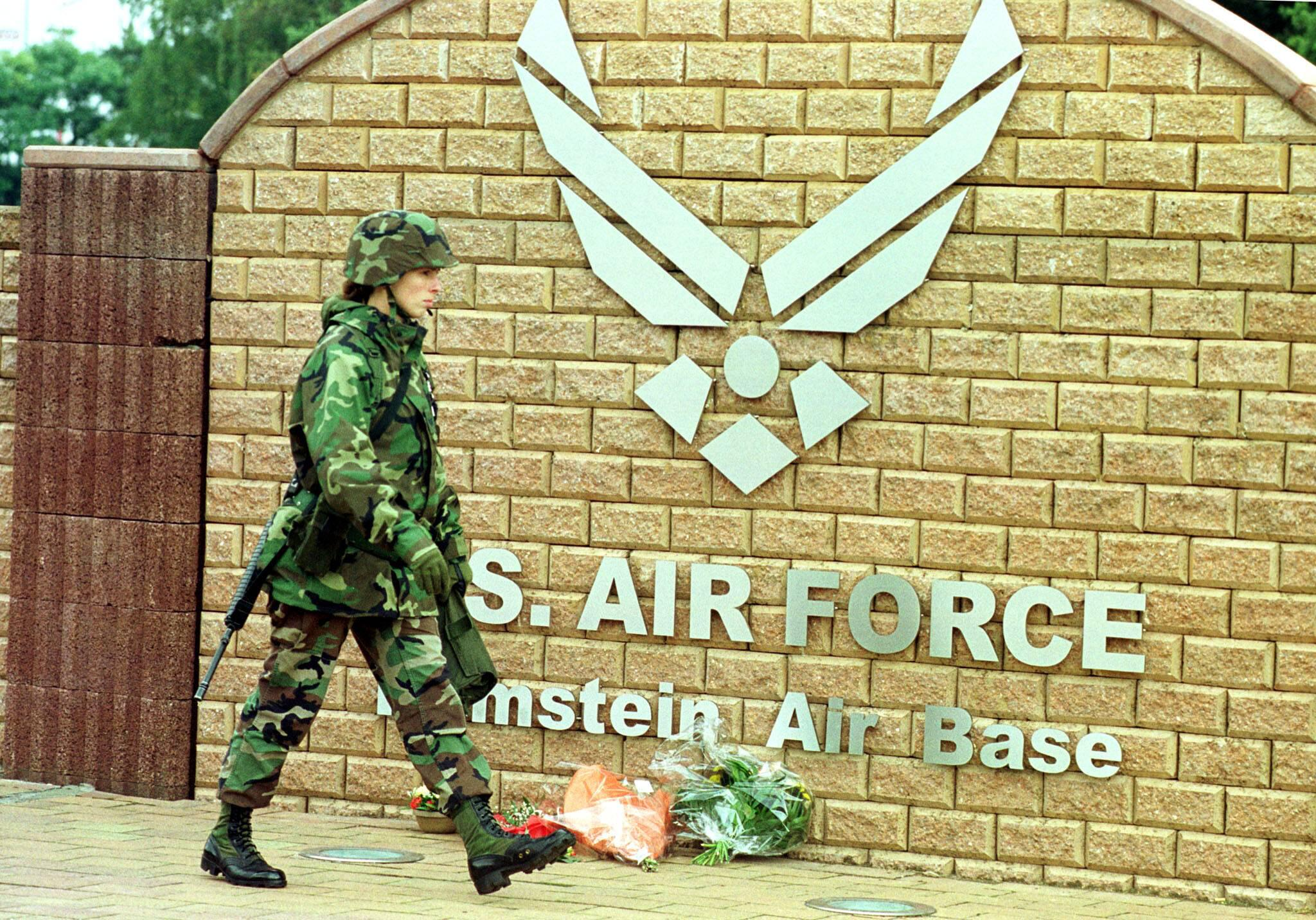 Bild zu Airbase