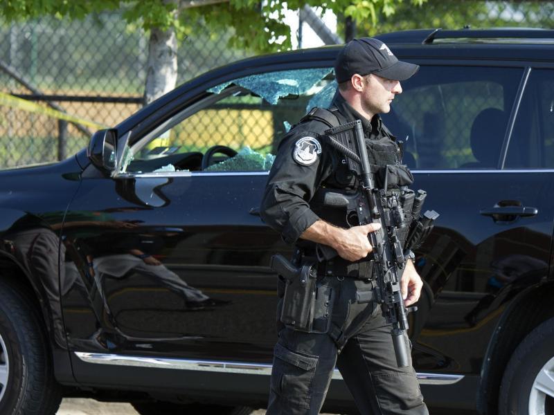 Bild zu Sicherheitskräfte