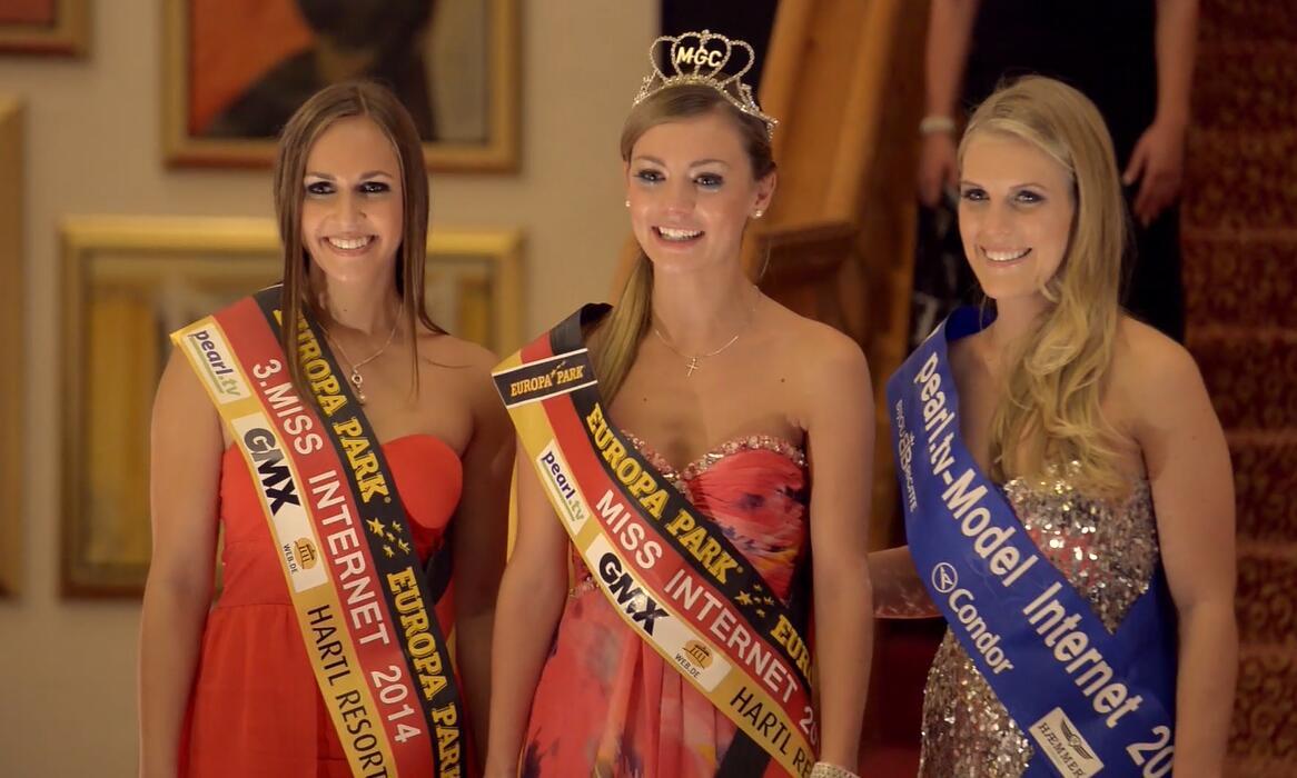 Bild zu Backstage bei Miss Internet