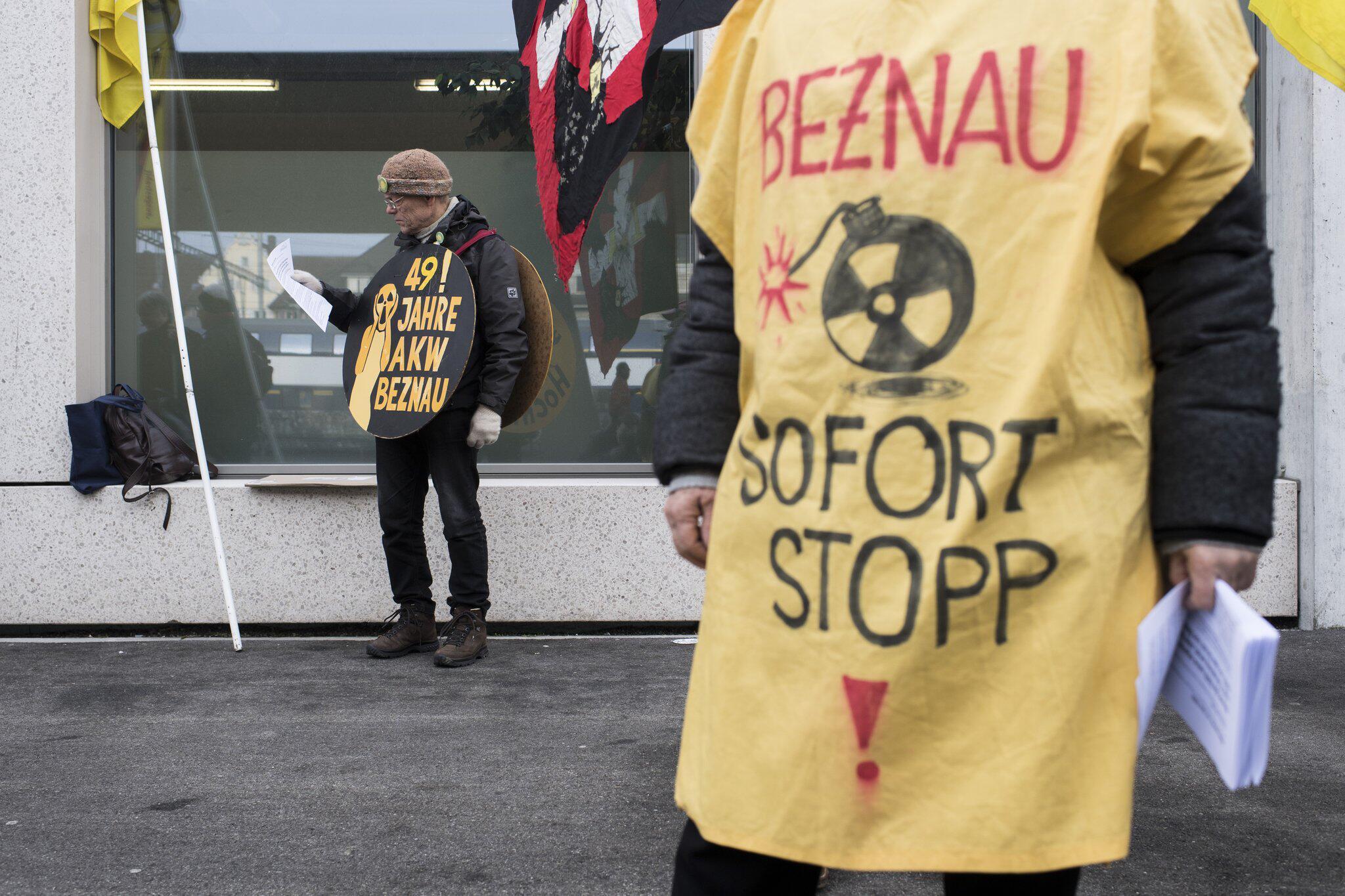 Bild zu Demonstration gegen die Wiederinbetriebnahme des AKW Beznau