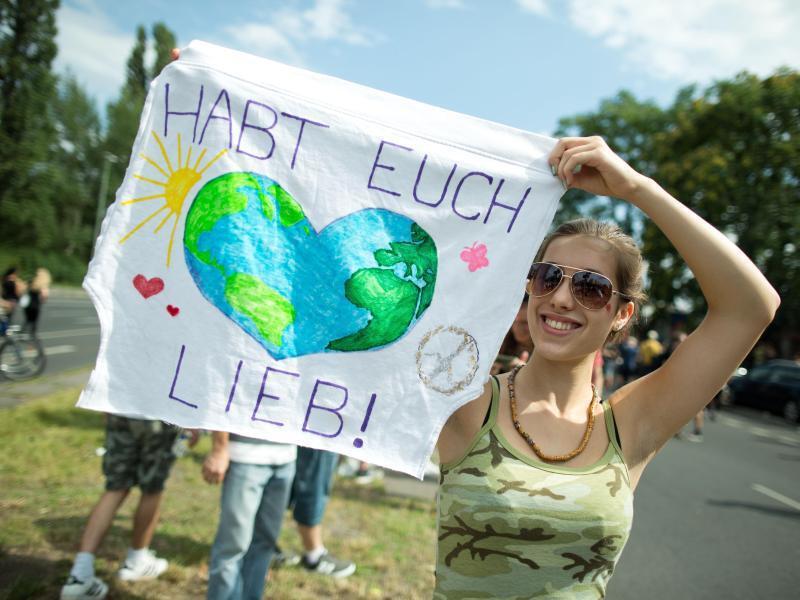 """Bild zu Technoparade """"Zug der Liebe"""""""