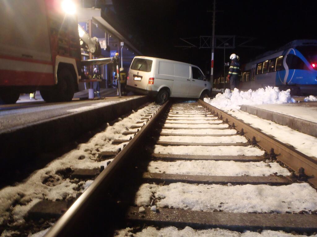 Bild zu Bad ISchl, Bahngleise, Feuerwehr