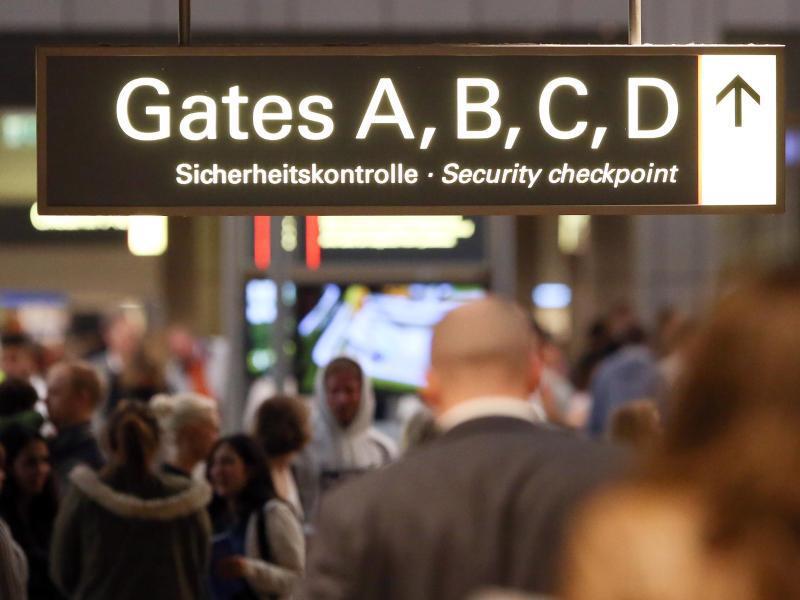 Bild zu Am Flughafen