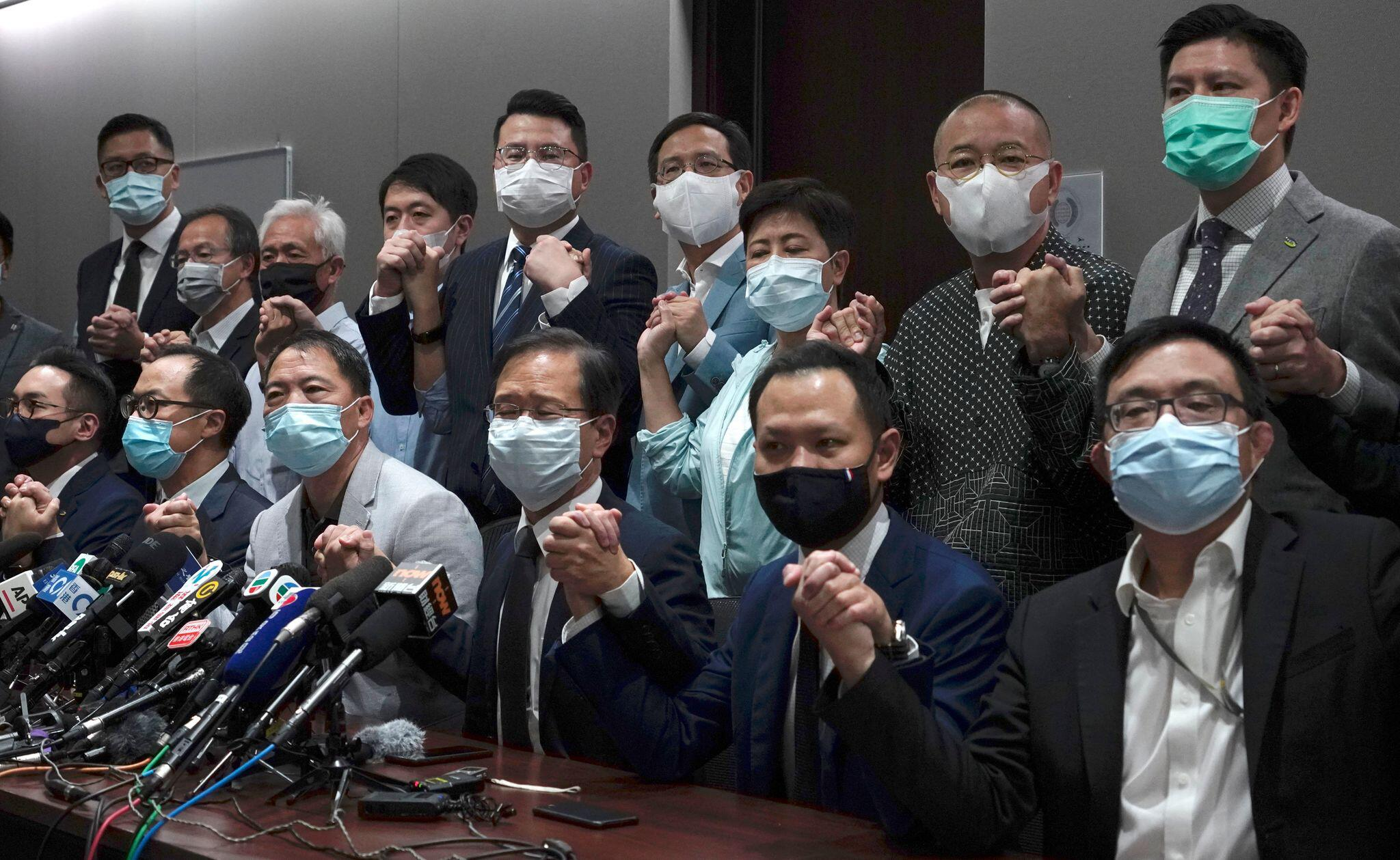 Abgeordnete des Hongkonger Demokratielagers treten aus Protest zurück