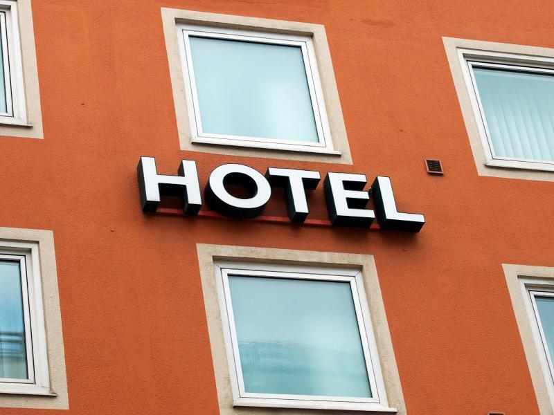 Bild zu Fassade eines Hotels