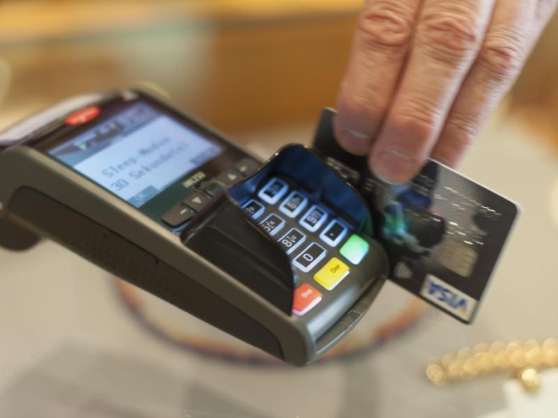 Bild zu Zahlen mit Firmenkreditkarte