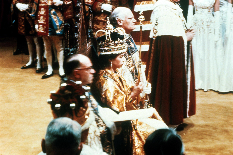Bild zu Elizabeh II. Krönung