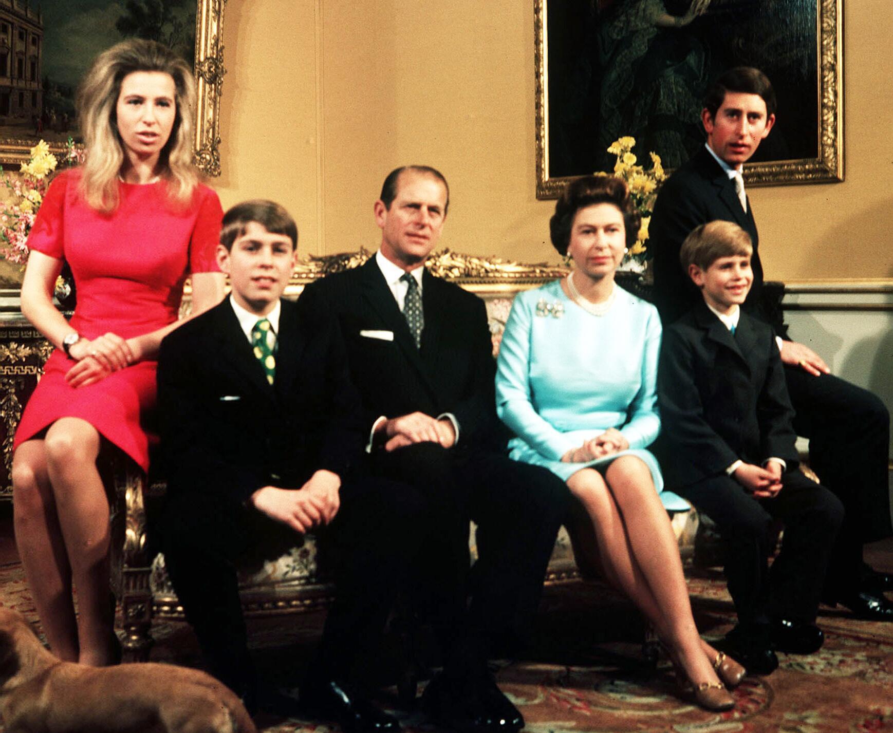 Bild zu Elizabeth II. im Kreise ihrer Familie