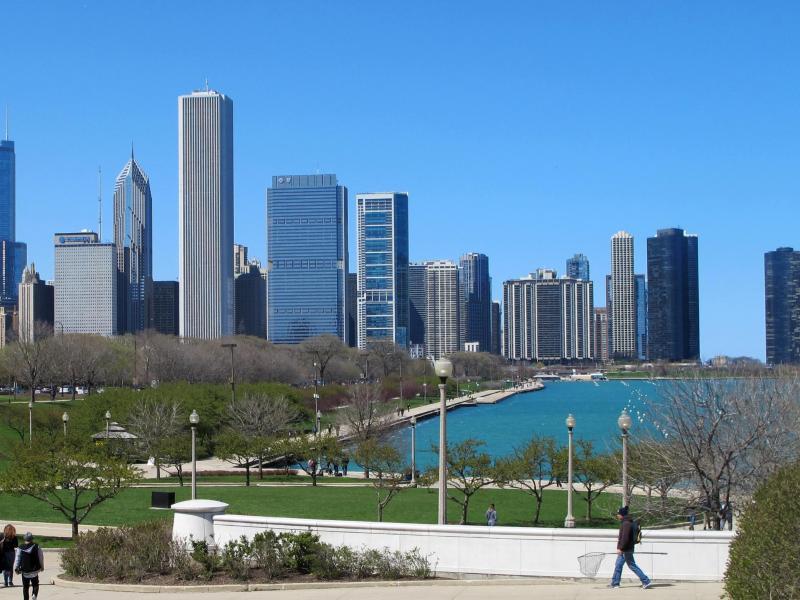 Bild zu Wolkenkratzer am Michigansee