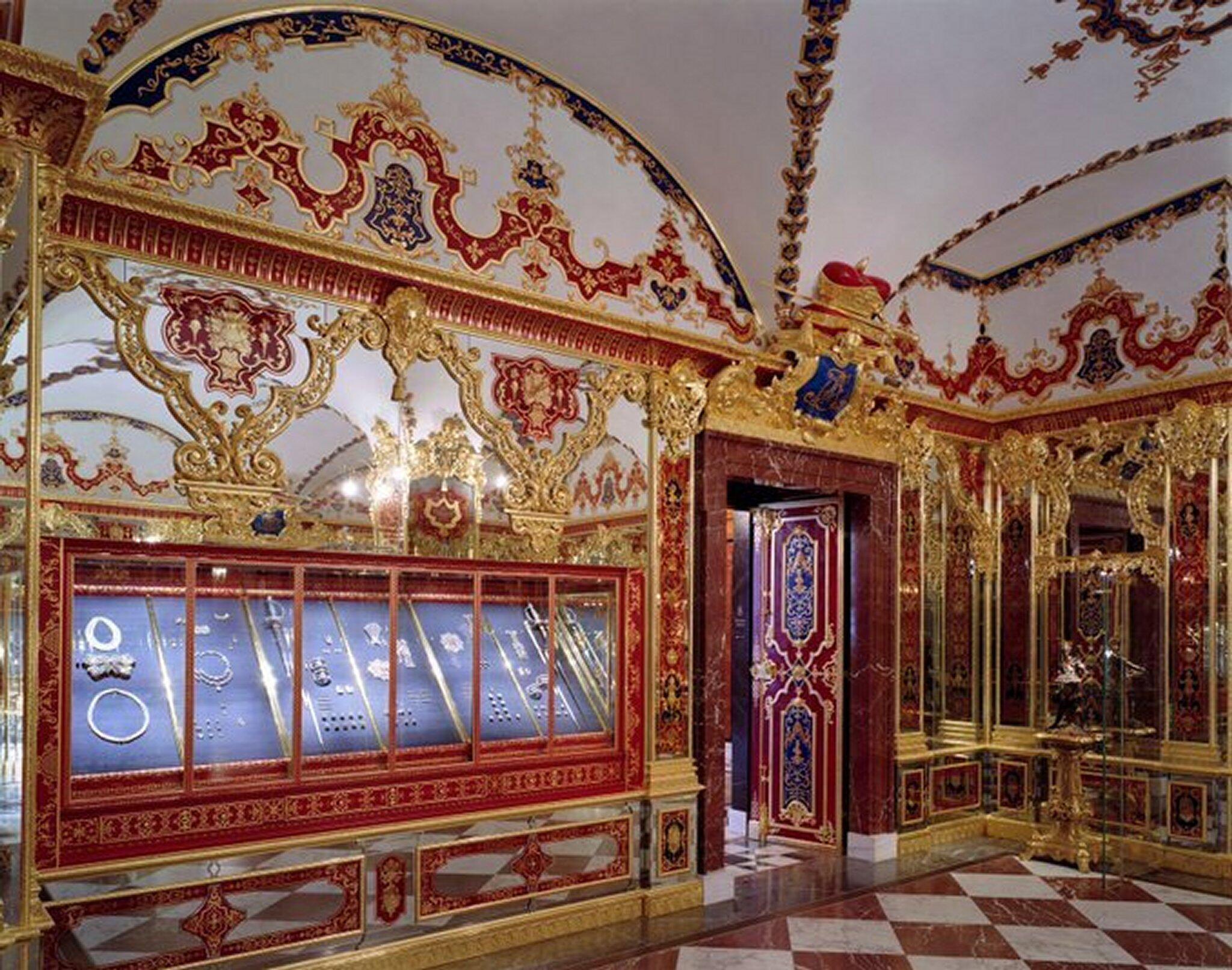 Bild zu Grünes Gewölbe Dresden - Schmucksaal