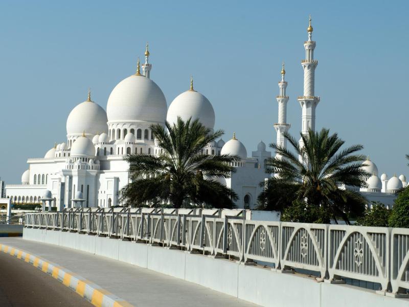 Bild zu Scheich-Zayid-Moschee in Abu Dhabi