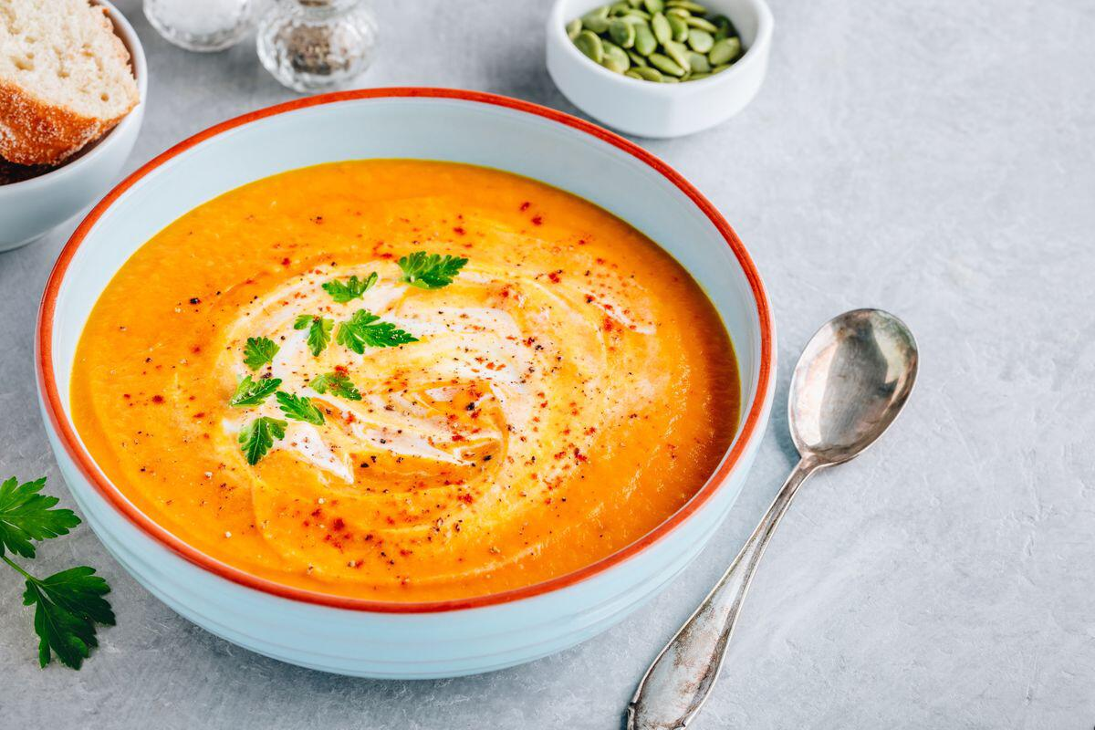 Bild zu gerichte, rezepte, kochen, essen, ernährung, november, regional, saisonal, kürbis, wirsing, auflauf