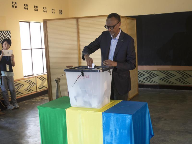 Bild zu Paul Kagame