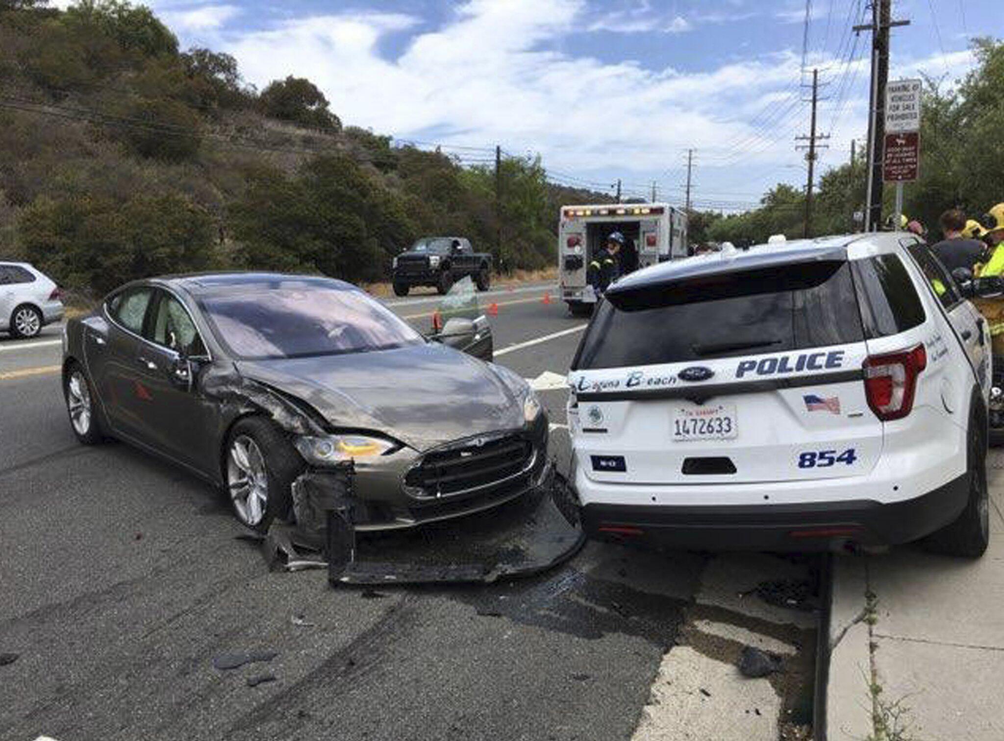 Bild zu Unfall mit Tesla in Autopilot-Modus