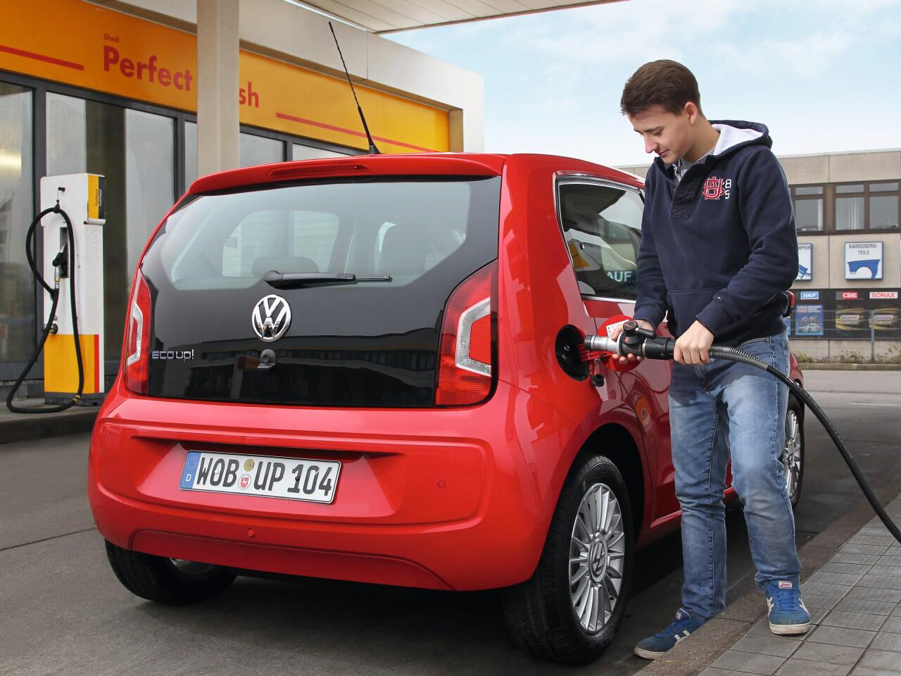 Bild zu VW Eco Up: In einem Test schnitt er als sparsamstes Winterauto ab